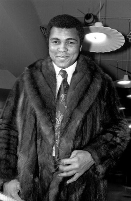 Allan Tannenbaum, 'Muhammed Ali modeling a fur coat', 1977