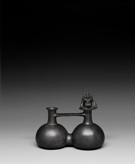 'Vase-siffleur à double corps: guerrier armé d'une massue et tenant une tête coupée (Double-bodied whistling vase: warrior armed with a club and a severed head)', 1000-1450
