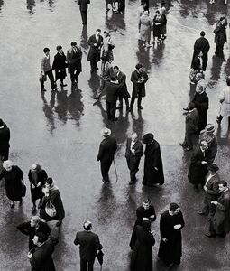Elio Ciol, 'Incontri in Piazza - Assisi', 1957