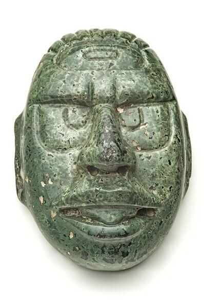 'Dieu solaire en pierre verte (Sun god in green stone)', 600-900 AD