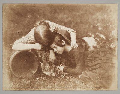 Hill & Adamson, 'Margaret and Mary McCandlish 'The Gowan' [ie daisy]', 1843–1847