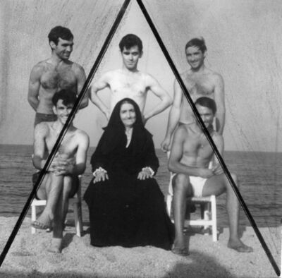 Jorge Eielson, 'La familia Mulas a orillas del mar, Cerdeña 1965', 1965