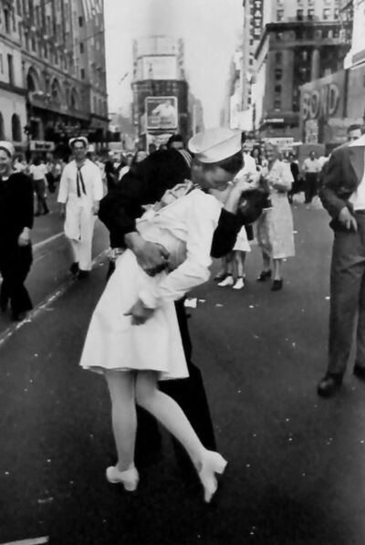Alfred Eisenstaedt, 'VJ Day, Times Square', 1945