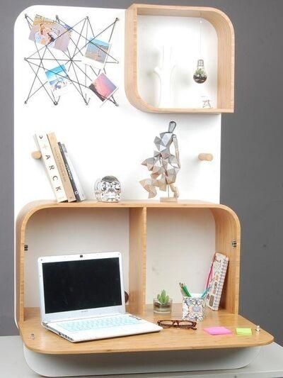 Andressa Camargo, 'Home Office Komb'
