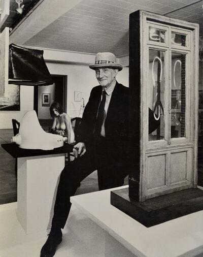 Julian Wasser, 'Duchamp with Straw Hat and Eve Babitz pondering the Chess Game in the background, Duchamp Retrospective, Pasadena Art Museum', 1963