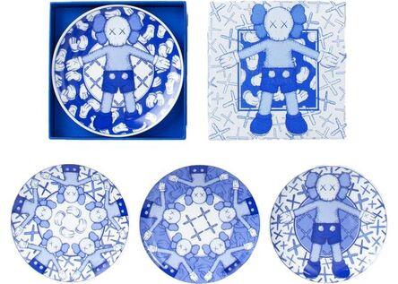 KAWS, 'Holiday Ceramic Plate (Set of 4) Blue/White', 2019