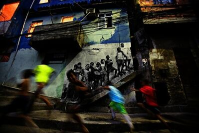 JR, '28 Millimètres : Women Are Heroes, Action dans la Favela Morro da Providência, Kids in Providência', 2008