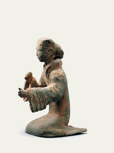 'Musician figurine', 206 BC -9 AD