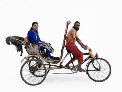 Martin Roemers, 'Cycle rickshaw; Mukesh Parmar (driver), Sonakshi Ramlani (Ujjain, Madhya Pradesh)', 2019
