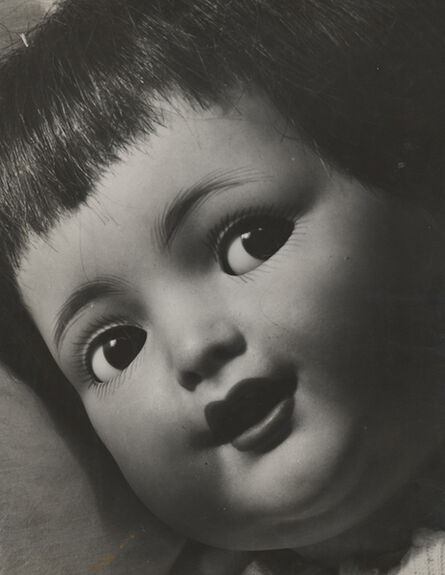 Elisabeth Hase, 'Puppenaufnahme im Profil', 1931