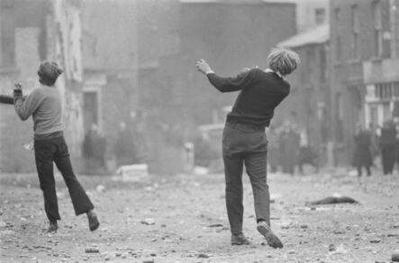 Gilles Caron, 'Manifestations anticatholiques à Londonderry', 1969
