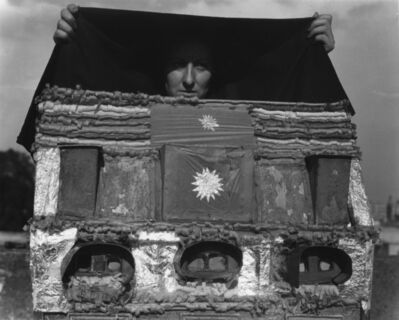 Manuel Álvarez Bravo, 'Caja de Vision (Box of Visions- Stereoviewer)', 1938