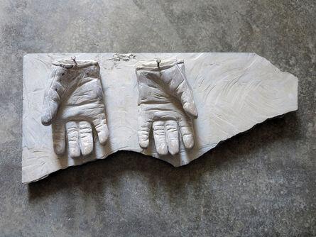Isaque Pinheiro, 'Luvas limpas', 2017