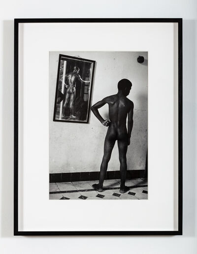Martine Barrat, 'Kid Chocolate and I posed his grandson before a 1926 picture of the Kid (Cuba)', 1984