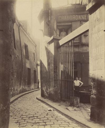 Eugène Atget, 'Entr'e du passage de la R'union, 1 et 3 Rue du Maure, 3ø arrondissement', 1911