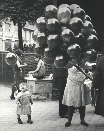 Brassaï, 'Le premier ballon, au parc Montsouris ou feignait le douanier Rousseau, Paris', 1931-1932