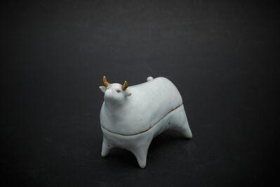 Kensuke Fujiyoshi, '24. White cow', 2012