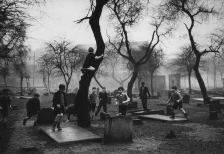 Bert Hardy, 'The Gorbals, Glasgow, Europe's Worst Slum', 1948