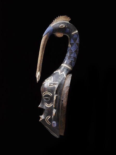 'Masque zuhu avec tête d'oiseau (Zuhu bird's head crest mask)', c-1920