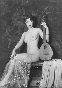 Alfred Cheney Johnston, 'Figura con chitarra', 1920s