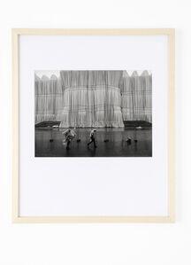 Barbara Klemm, 'Verhüllter Reichstag, Berlin, Christo', 1995