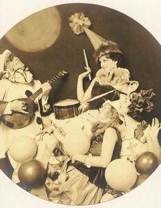 Alfred Cheney Johnston, 'Pierrot Serenading Three Women', 1920s/1920s