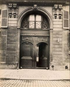 Eugène Atget, 'Hôtel, rue de Varenne 19', 1900