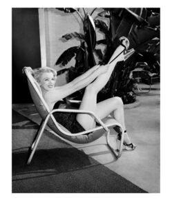 Frank Worth, 'Marilyn at the Pool Sitting'
