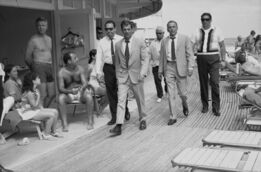Terry O'Neill, Frank Sinatra with Body Double and security team,  Boardwalk, Miami Beach