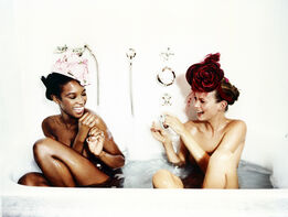 Ellen von Unwerth, Bathtub, Naomi Campbell and Kate Moss (for Vogue US)