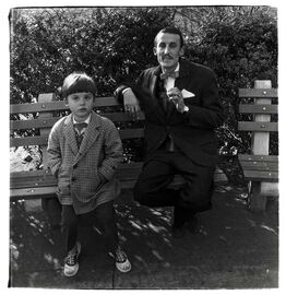 Diane Arbus, Man and Boy on a Bench in Central Park, New York City
