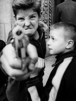 William Klein, Gun 1, New York