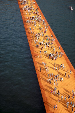 Christo and Jeanne-Claude, Lago d'Iseo - WV25