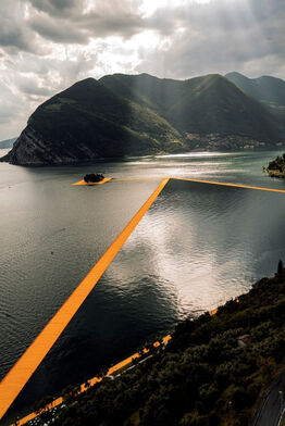 Christo and Jeanne-Claude, Lago d'Iseo - WV22