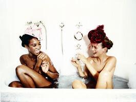 Ellen von Unwerth, 'Bathtub, Naomi Campbell and Kate Moss (for Vogue US)', 1996