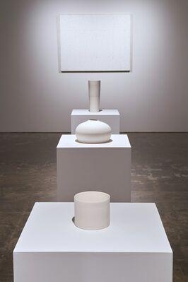 白 / White, installation view