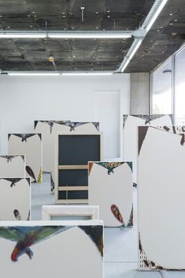 LUC FULLER - Standing Paintings, installation view