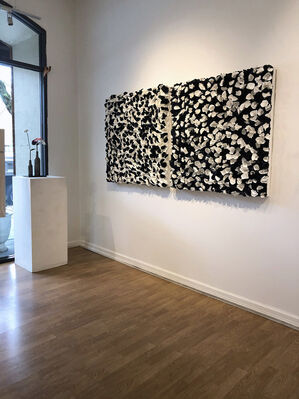 ABSTRACTLY SPEAKING: SIX + ONE (Group Exhibition), installation view