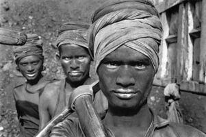 Sebastião Salgado, 'Workers emerging from a coal mine. Dhanbad, Bihar State, India', 1989