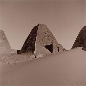 Lynn Davis, 'Meroe, Sudan', 1998