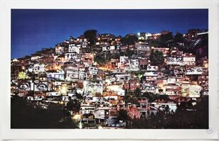 JR, '28 Millimètres, Women Are Heroes - Action dans la favela Morro da Providencia, nightview', 2012