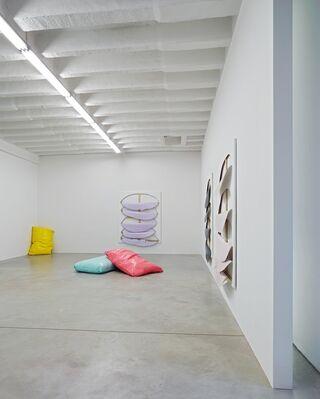 JULIA GRUNER, HUSEYIN SAMI – tactile space, installation view