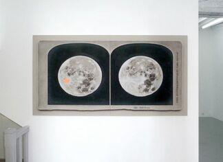 Deux lunes à l'autre, installation view
