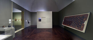 Between Mountains and Sea: Arts of the Ancient Andes, installation view