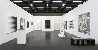 Suzanne Tarasieve at Art Cologne 2017, installation view