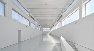 Massimo Vitali: Costellazioni Umane (Human Constellations) at Ettore Fico Museum, Turin, installation view
