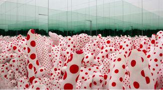 Yayoi Kusama. Infinite Obsession, installation view