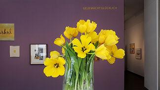 GELB MACHT GLÜCKLICH / YELLOW MAKES YOU HAPPY, installation view