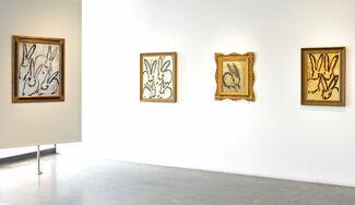 Hunt Slonem : BUNNIES, installation view