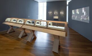 Multiple Exposures: Jewelry and Photography, installation view